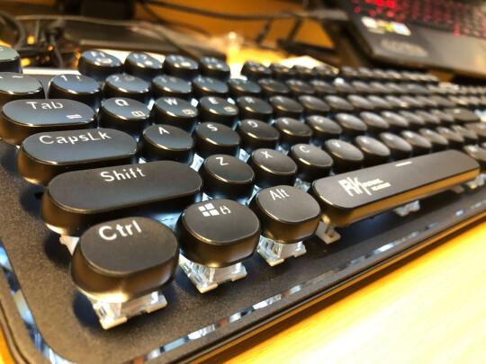 RK 圆点蓝牙机械键盘究竟怎么样?做工够好吗,声音清亮吗?