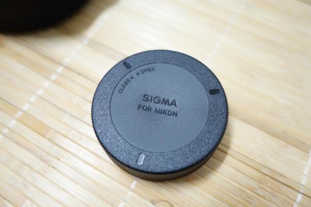 适马35mm F1.4 DG HSM和索尼SEL35F28Z区别明显吗?哪个防抖效果比较好,哪个分量十足