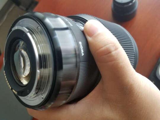 适马ART85mm F1.4 DG HSM跟SONY SEL1670Z有何区别,哪个画质好?哪个虚化完美