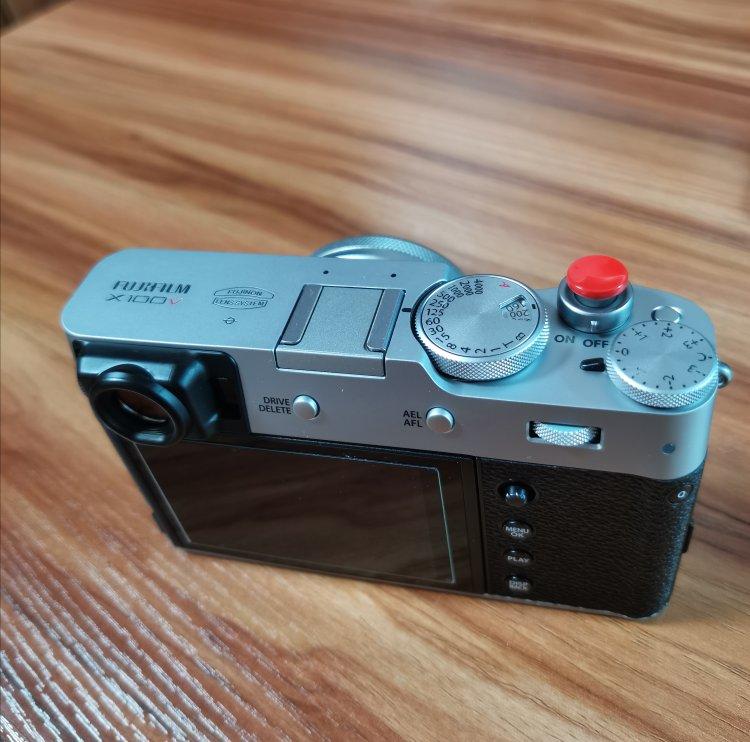 富士人文扫街数码相机,送女朋友生日礼物推荐