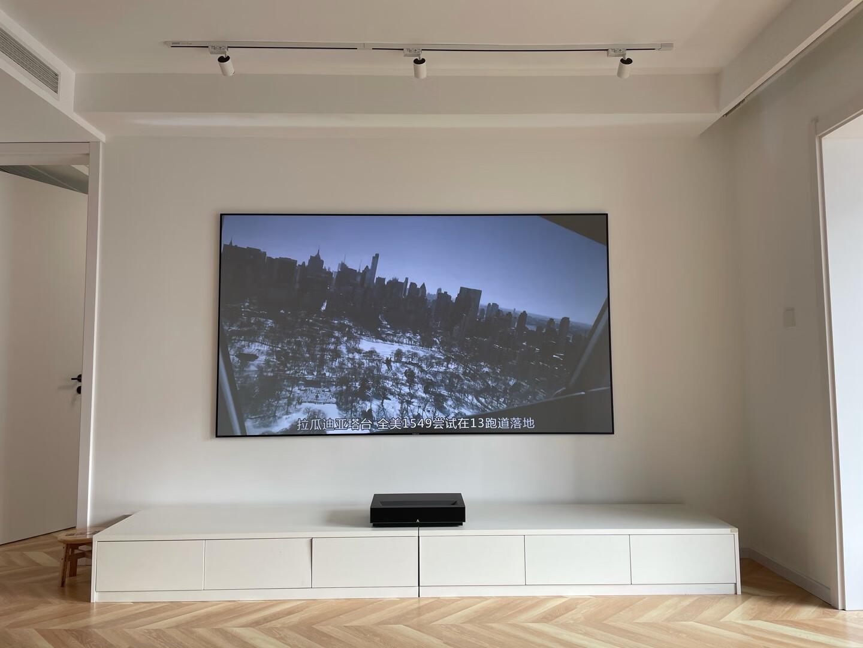 峰米激光电视,在家也能看到影院级画面