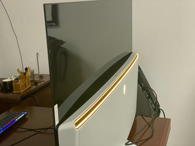 外星人54.6英寸4K 显示器,用来玩主机游戏非常棒